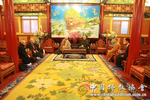01 2016年12月15日上午,日本临济宗妙心派灵云院住持则竹秀南长老一行4人拜访中国佛教协会,受到中国佛教协会副会长